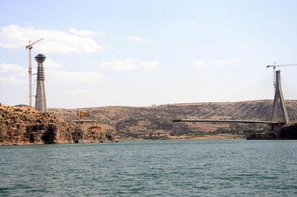 Nissibi Köprüsü Yapımı Devam Ediyor