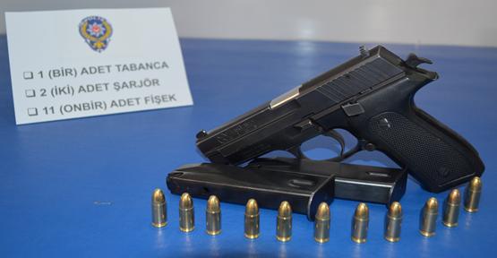 Urfa'da silah ve esrar operasyonu