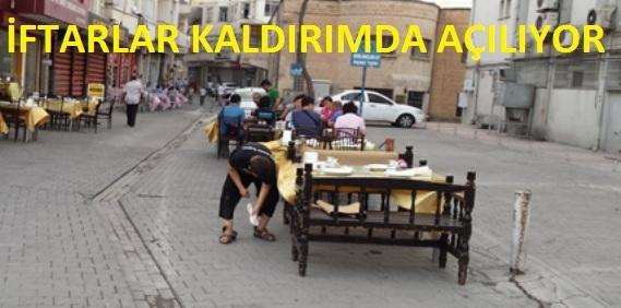 Urfa'da iftarlar kaldırımda açılıyor