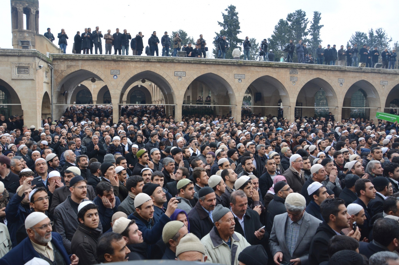 Badıllı Hoca on binlerin katılımıyla ebediyete uğurlandı
