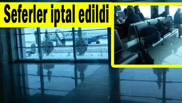 Urfa Havaalanında Yolcular Perişan Oldular