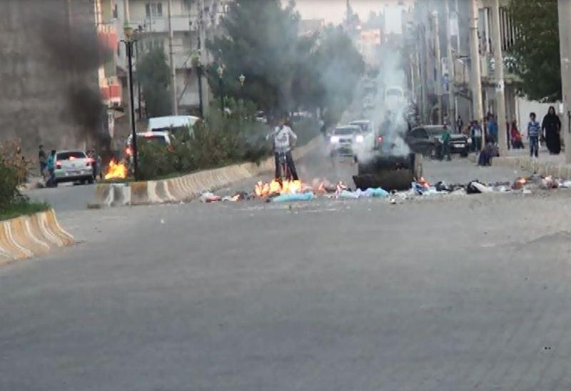 Kobani'ye geçişler engellendi
