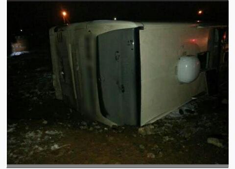 Yolcu otobüsü ile kamyon çarpıştı: 48 yaralı