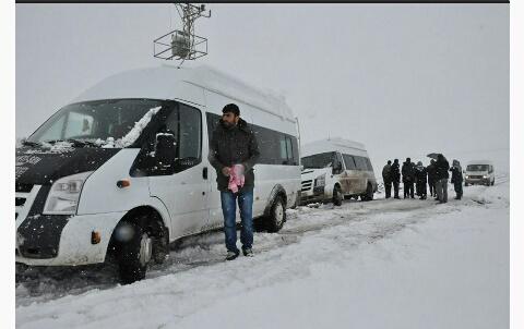 Siverek'te öğrenci servisleri yolda kaldı