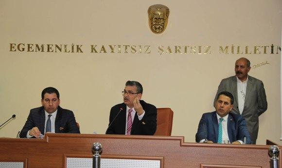 Meclis, Büyükşehir'in 2014 faaliyetini onayladı