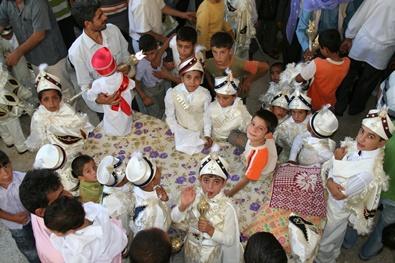 Hayırsever işadamı 230 çocuğu sünnet ettirdi.