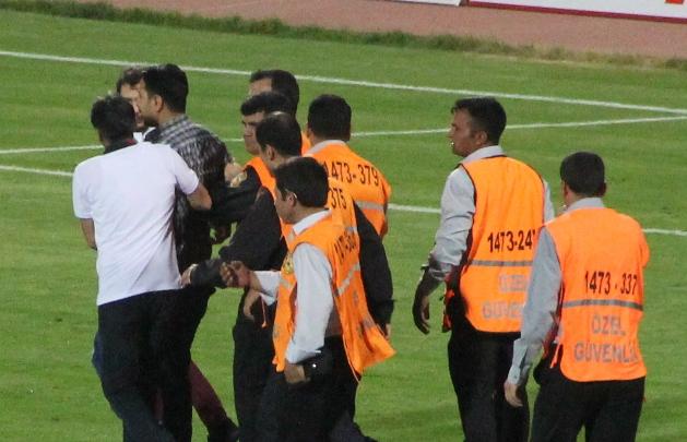 PFDK'dan Şanlıurfaspor'a şok taraftar cezası
