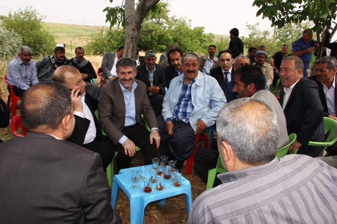 AK Partili Nebati Akçakale ve Harran'da seçmenleriyle buluştu