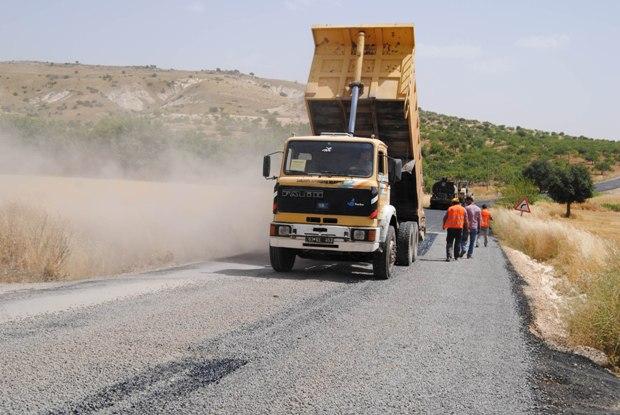 Çimonto fabrikası yolu asfaltlanıyor