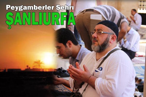 Urfa, ilk Cuma'da ümmet için duaya durdu