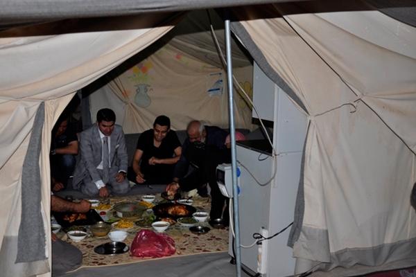 Ceylanpınar Kaymakamı mültecilerle iftarını açtı