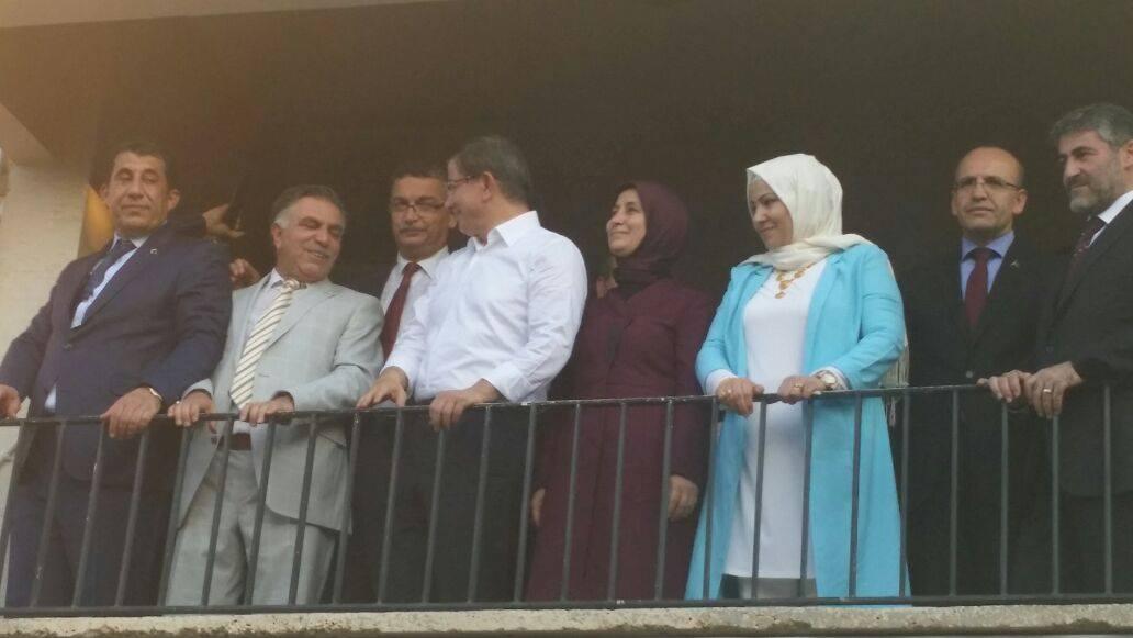 Başbakan Davutoğlu, Caylanpınar'da halka hitap etti