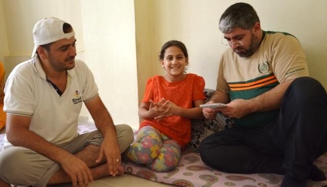 İHH Suriyeli Sidra'ya Göz Oldu