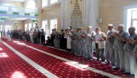 Hacı adayları salâvatlarla uğurlandı