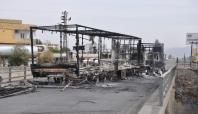 Silopi'de PKK'lılar yol kesip 5 TIR'ı yaktı