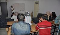 Batman'daki Suriyeliler Türkçe öğreniyor