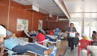 Kızılay kan toplama aracı kan bağışı bekliyor