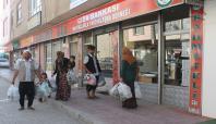 Van Rahmet Eli Gıda Bankası giyim yardımlarına başladı