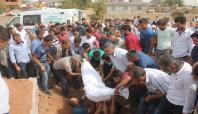 Bombanın elinde infilak etmesi sonucu ölen çocuk defnedildi