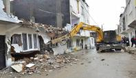 Yıldırım Belediyesi ilçedeki kaçak yapıları yıktı