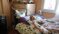 Sarışın olan 2 çocuğu öldü üçüncüsünün kurtarılmasını istiyor