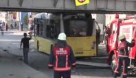 Üstgeçide çarpan otobüsün LPG yakıt deposu patladı