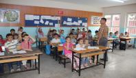 Adana'da Suriyeli 15 bin çocuk eğitim görüyor