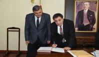 Şanlıurfa'da sağlık ve turizm projeleri için imza atıldı