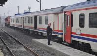 Olaylardan dolayı iptal olan tren seferleri başladı