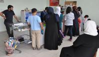 Batman Umut-Der'den yüzlerce öğrenciye kırtasiye yardımı