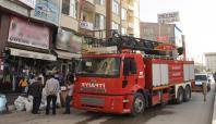 İş merkezinde çıkan yangın korkuttu