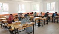 Van'da aday öğretmenler deneme sınavına girdi