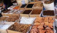 Midyat'ın yerli kış ürünleri tezgâhlardaki yerlerini aldı