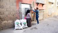 Gaziantep'te dar gelirli ailelere odun dağıtıldı