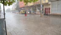 Viranşehir'de sonbahar yağmuru hazırlıksız yakaladı