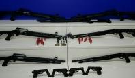 Adana'da çok sayıda silah ele geçirildi