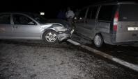 Kahta'da 4 aracın karıştığı kazada 2 kişi yaralandı