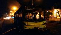 İçinde yolcular bulunan Belediye otobüsü kundaklandı