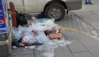 Van'da çöplerin toplanmamasına tepki