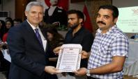 ÇÜ'ye birincilikle yerleşen öğrencilere başarı belgesi verildi