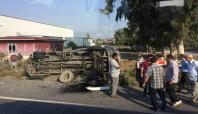 Yolcu minibüsü ile öğrenci servisi çarpıştı: 29 yaralı