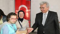 Gaziantep'te engelli öğrencilere tablet dağıtıldı