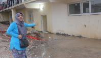 Mardin'de ev ve işyerlerini su bastı