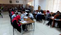 YGS öğrencileri çalışmak için kütüphaneyi tercih ediyor