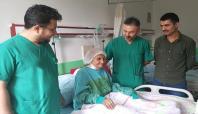 82 yaşındaki hastanın dört damarı değiştirildi