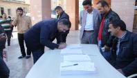 Şanlıurfalılar 2'nci Bakan için imza kampanyası başlattı
