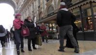 İtalyanlardan peçeli kadına hakaret