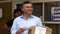 Mauricio Macri Arjantin'in yeni devlet başkanı oldu
