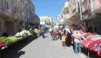Derik'te pazar yeri açıldı