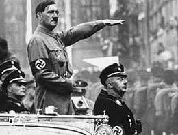 Hitleri sonunda oyuncak ettiler